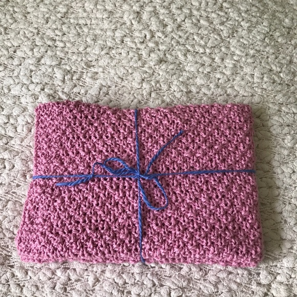 New hand knit pink baby blanket